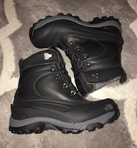 Brand New - north Face Waterproof Boot  547 km