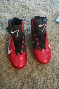 pair of red-and-black Nike basketball shoes Toronto, M3N 2W1