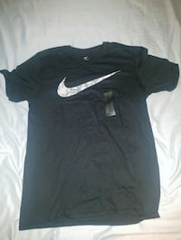 New Black Mens Medium Nike Shirt.  Woodbridge, 22191
