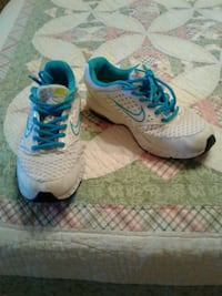 pair of white-and-blue Nike running shoes El Paso, 79930