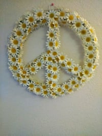 yellow and white beaded necklace Anderson, 96007