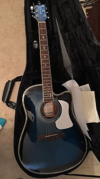 Blue acoustic guitar, randy Jackson addition. In great condition ! Ridgeville, 29472