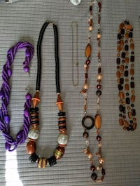 Lot of vintage necklaces  Dayton, 45449