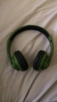 green and black corded headphones Fairmount Heights, 20743