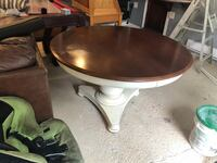 Beautiful 4ft round dining table 374 mi