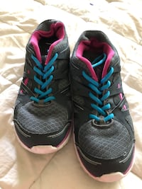 Women's tennis shoes size 7 1/2. Indianapolis, 46268