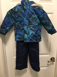 Snow suite /jacket/ snow pants with free boots Toronto, M8W 4P3