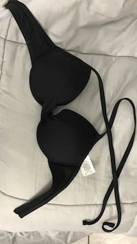 Black swim top size small Pomona, 91766