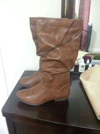 Brand new boots womens size 8 Cambridge, N1T 2C9