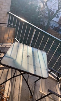 Patio Furniture (Table & Chairs