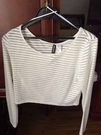 New crop top size medium  Laval, H7X 3M8