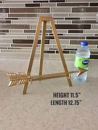 Gold Easel in New Condition Montréal, H4M 2K7