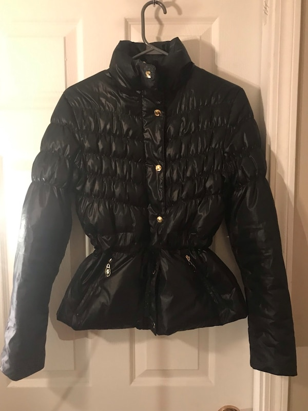 Women's medium guess puffer jacket b772f2a6-9020-421b-90c6-7042c584394a