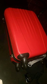 Two pcs red hardcase luggage Milton, L9T 0Y4