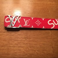 Louie Vuitton x supreme belt !!! 100% Authentic prices negotiable 300 if u can come to mee Washington, 20009
