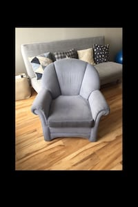 Light blue solid chair in good condition Vancouver, V6G 1W8