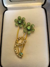 Green and Gold Flower Brooch Newmarket, L3Y 7X2