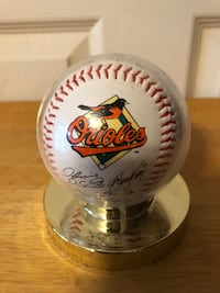 Baltimore Orioles Facsimile Autographed/Bank of America Baseball in case Baltimore, 21236