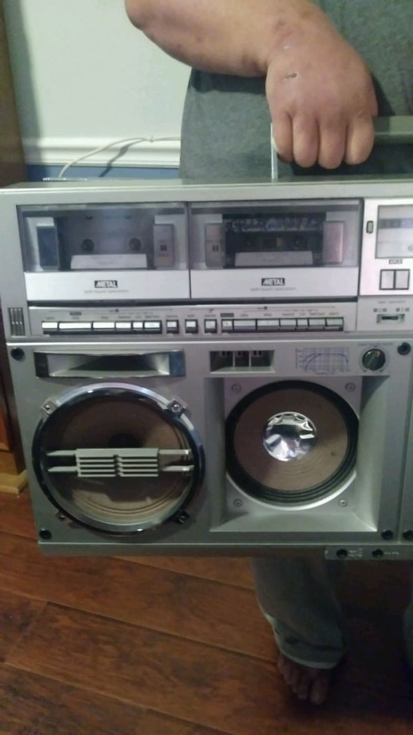 Double cassette player &  AM/FM Radio  bdc8c011-0d8c-410b-9ed4-aa79efa0a408