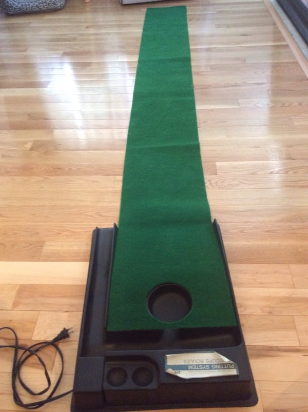 Golf putt putt practice anywhere! Great condition, used once, works great. Pickup in Falls Church . ec9643d5-4806-426d-83a1-c647fe35edcc