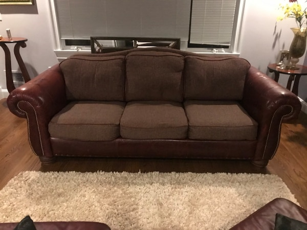 American Collection Leather Sofa