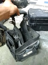 black and gray golf bag London, N5Y 2L5