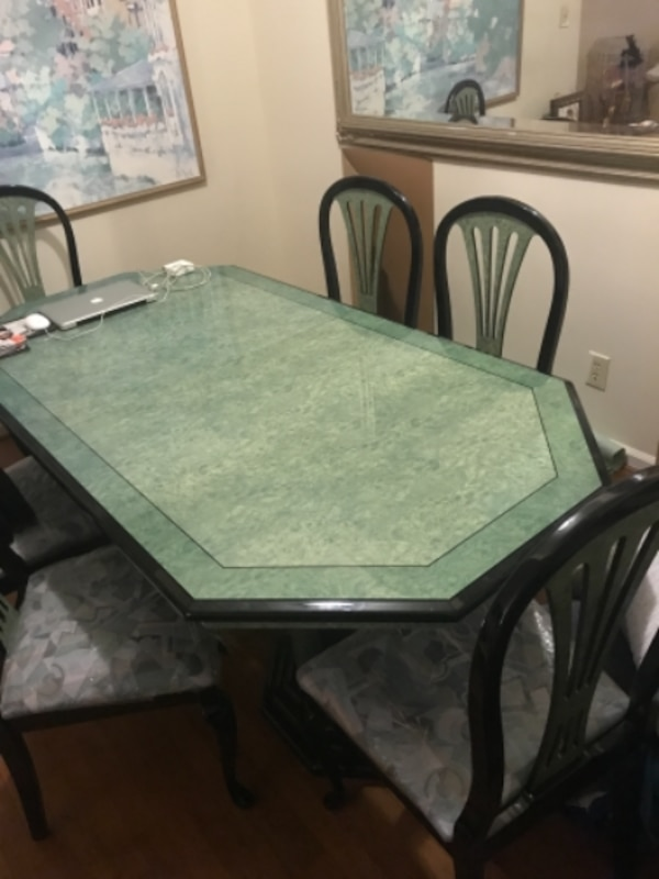 Grand Dining Table and chairs Set