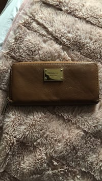 Brown leather Michael Kors wallet  Mississauga, L5M 5J6