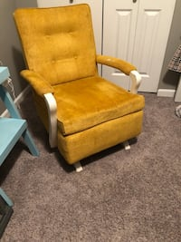 Older chair super comfy Surrey, V4N