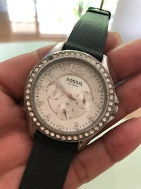 Fossil watch, I replaced the band and needs battery and one stone is out Oshawa, L1J 1Z3