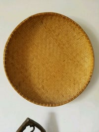 round brown wooden table top Paoli, 19301