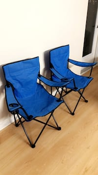Arm chair with cup holder