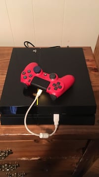 black Sony PS4 console with controller New Iberia, 70560