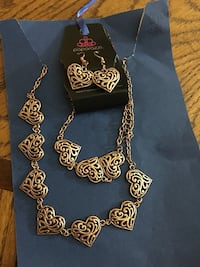 Black and gold-colored heart necklace and earrings and bracelet Shepherdsville, 40165