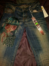 Skinny 27 sized Bingang Japanese girl jeans Fall River, 02720
