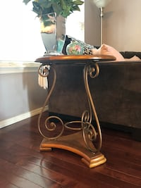 Living room side table/wood and metal Saint Louis, 63123