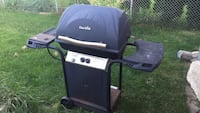 black and grey Char Broil gas grill