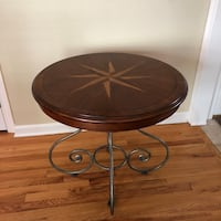 Ethan Allen End Table Delmar, 12054