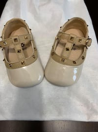 Baby rockstud shoes - Colour Nude - Size 3 - Excellent Condition Toronto, M3M 2R1