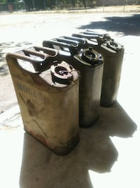 3 jerry gas cans 5 gallons (3 total) Montclair, 91763