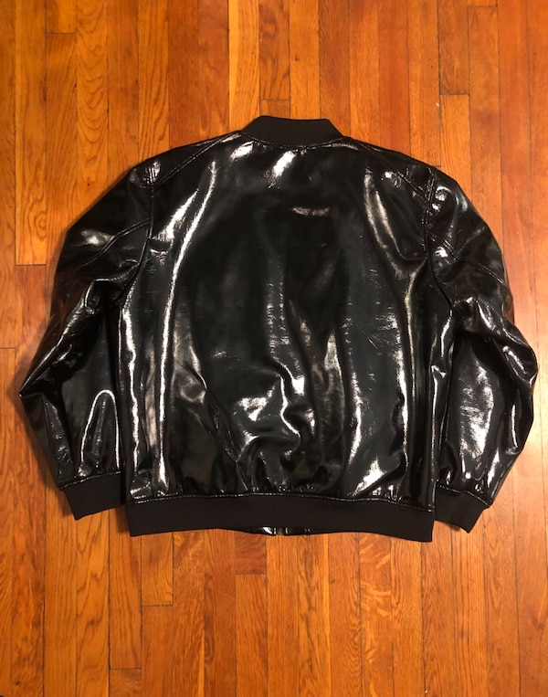 Men's Jared Lang paid $600 size XXL (fits like XL) Patent Leather Bomber jacket. Excellent condition never worn! Great jacket 8893b86f-fed6-4ccb-9820-25a10af35508
