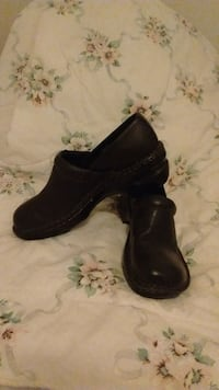 Womens Black Clogs Pittsburgh, 15209