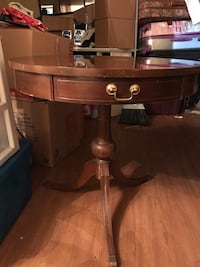 "Vintage mahogany 27"" round mersman table Clifton Park, 12065"