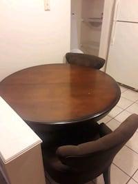 Dining table w/ 2 chairs 300 mi