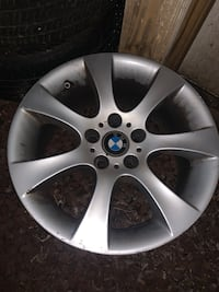 Bmw 185 style rims from a bmw 335i looking for 350$ obo Fallston, 21047