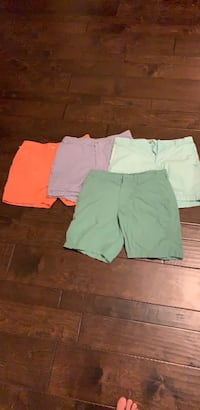 4 pair of boys Columbia shorts size 30 excellent condition  Myrtle Beach, 29588