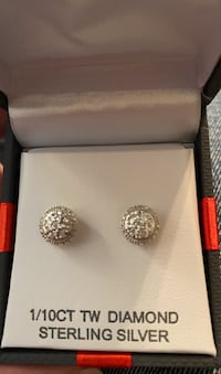 Diamond stud earrings Hyattsville, 20781