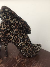 Black and brown leopard print leather cowboy boots Hammond, 46323