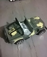 Self propelling toy army jeep