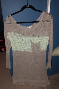 American Eagle Sweater  Levittown, 11756